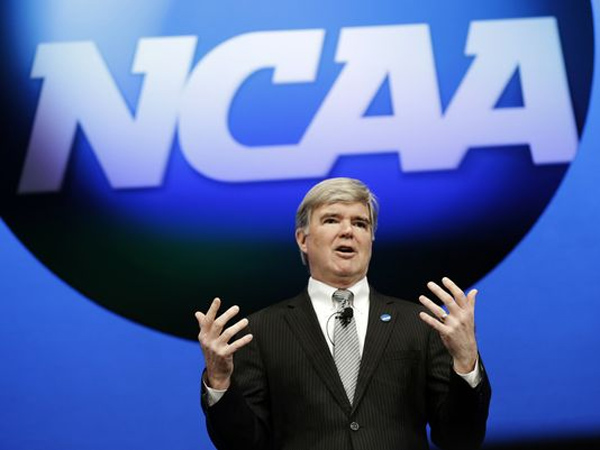 NCAA President Mark Emmert speaks at the organization´s annual convention in Grapevine, Texas.