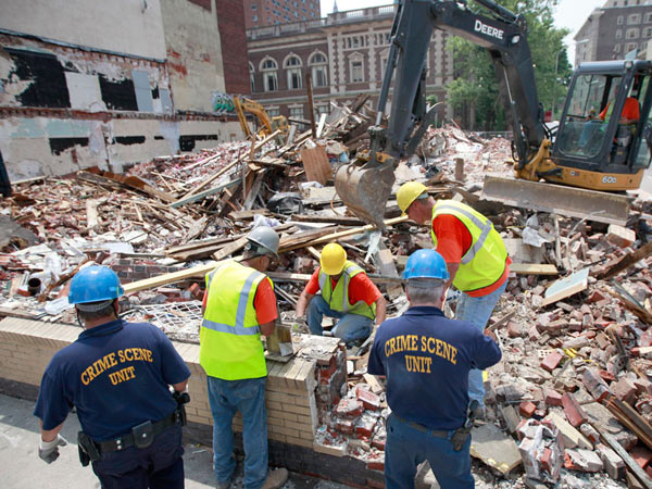 File photo: Demolition at the site of the fatal building collapse at 22nd and Market Streets June 24, 2013. ( DAVID SWANSON / Staff Photographer )