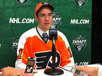 Fourth-round pick Marcel Noebels speaks to the media during the NHL Draft. (Joe Siville/Philadelphia Flyers)