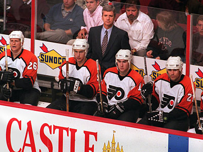 Terry Murray was 118-64-30 behind the Flyers´ bench from 1994-97. He also played for the team. (File photo)
