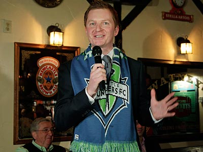 Arlo White has become quite a popular figure in Seattle since joining the Sounders. (Ted S. Warren/AP file photo)