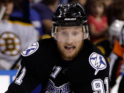 The compensation for Tampa Bay Lightning center Steven Stamkos would likely be four first round draft picks (Chris O´Meara/AP)