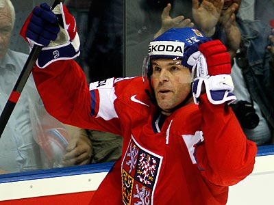 Jaromir Jagr spent the last three seasons playing for Avangard Omsk in the KHL. (Ronald Zak/AP)