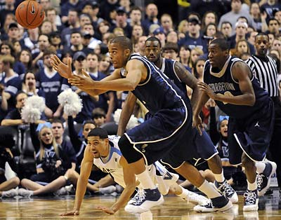 Villanova will have two chances to snap a five-game losing streak against Georgetown. (Michael Perez/AP)