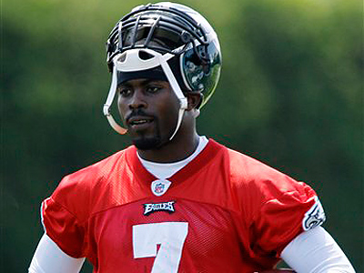 Should the Eagles cut ties with Michael Vick? (AP Photo/Matt Slocum)<br />
