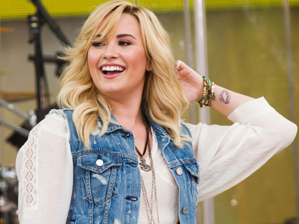 "Demi Lovato performs on ABC´s ""Good Morning America"" on Friday, June 28, 2013 in New York. (Photo by Charles Sykes/Invision/AP)"