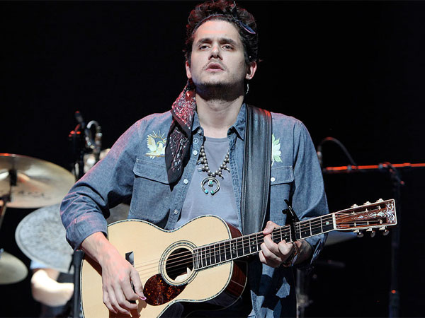 John Mayer at the Liacouras Center. (Steven M. Falk / Staff Photographer)