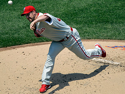 Cliff Lee picked up his first win of the season in Wednesday´s 9-2 victory over the Mets. (AP Photo / Kathy Willens)