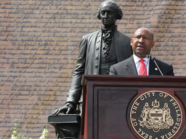 Philadelphia Mayor Michael Nutter speaks in front of Independence Hall during the Celebration of Freedom Ceremony held there on July 4, 2013.   ( CHARLES FOX / Staff Photographer )