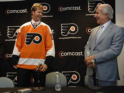 The Flyers and Ed Snider introduced defenseman Chris Pronger yesterday. (Alyssa Cwanger/Staff Photographer)