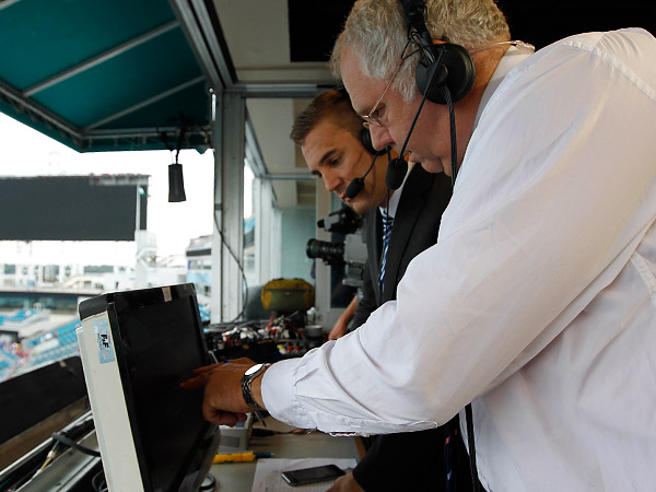 ESPN´s Ian Darke and Taylor Twellman. (Kim Klement/USA Today Sports file photo)