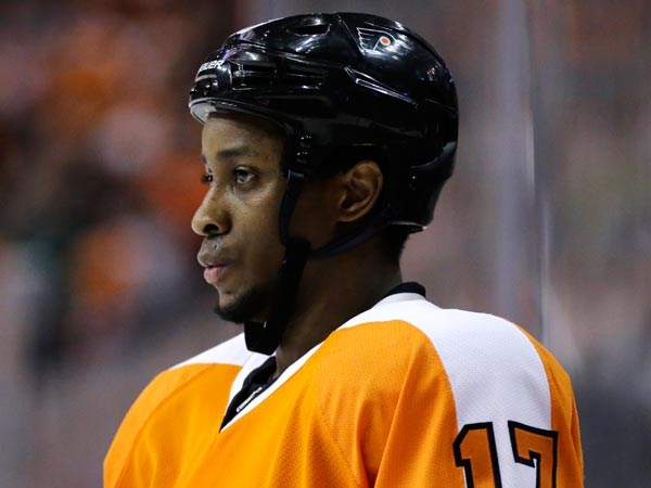 Wayne Simmonds during an NHL hockey game against the New Jersey Devils, Thursday, April 18, 2013, in Philadelphia. (Matt Slocum/AP file)