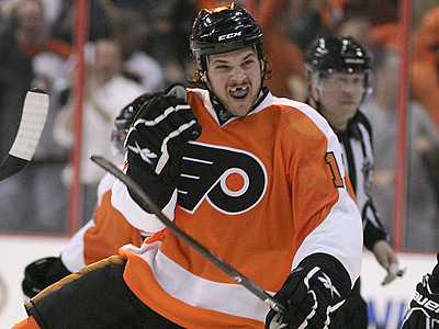 The Flyers have signed Dan Carcillo to a one-year deal. (Yong Kim / Staff Photographer)