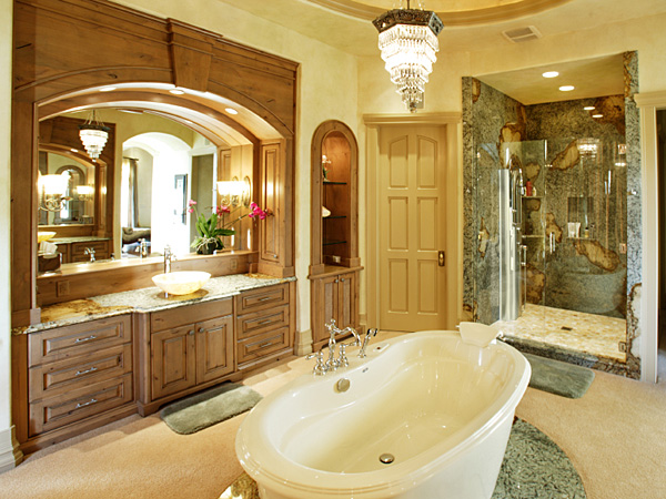 Switching out the traditional tub for a shower-only bathroom is becoming more and more popular. (iStock)