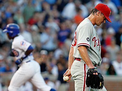 Jamie Moyer´s 25-year career could be in jeopardy if the 47-year-old needs Tommy John Surgery.  (AP Photo/Nam Y. Huh)