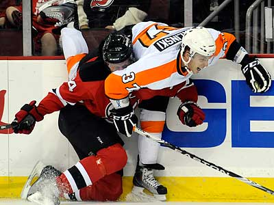 The Flyers re-signed center Jon Kalinski to a one-year deal. (Bill Kostroun/AP)