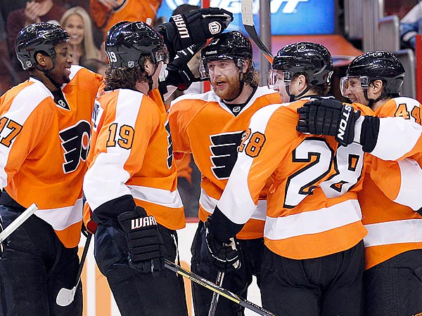 Flyers´ Jakub Voracek celebrates his second first period goal with his teammates. (Yong Kim/Staff Photographer)
