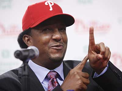 New Phillies starter Pedro Martinez is scheduled to pitch a simulated game Tuesday. (AP / File photo)