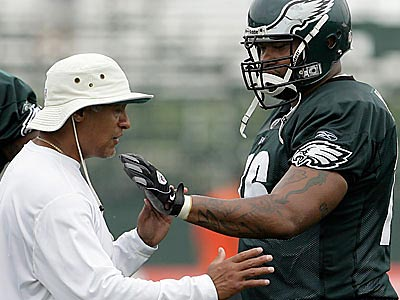Coach Andy Reid said that he is not worried about offensive lineman Stacy Andrews, shown here working with Juan Castillo. (Yong Kim / Staff File Photo)