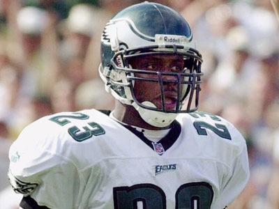 Cornerback Troy Vincent, who spent eight seasons with the Eagles, will join the team´s Hall of Fame. (Andy Manis/AP)