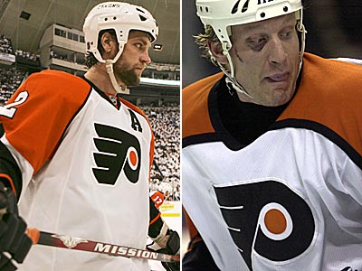 Former Flyers Derian Hatcher (left) and Jeremy Roenick have been selected for the U.S. Hockey Hall of Fame. (AP File Photos)