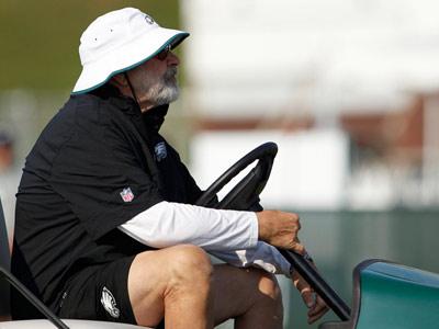 Eagles Offensive Line Coach Howard Mudd.  (Yong Kim/Staff Photographer)