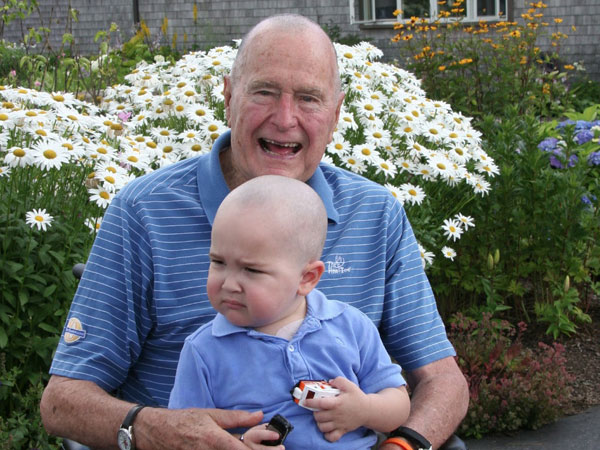 George Herbert Walker Bush, the United States´ 41st president, is donning a baldie these days in honor of a Secret Service agent´s child battling leukemia. (Credit: Patrickspals.org)
