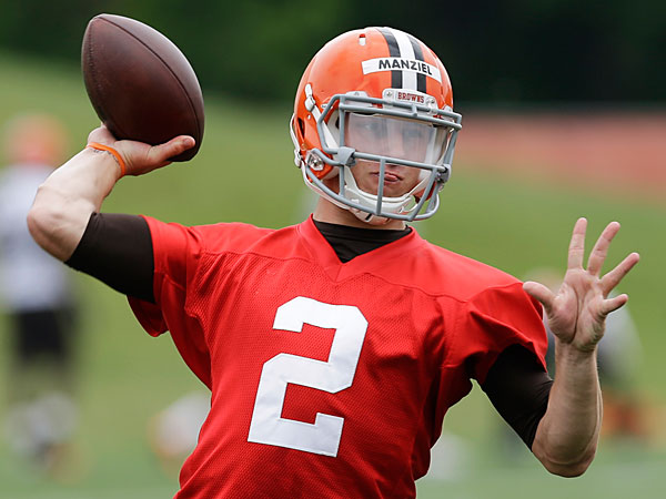 Browns quarterback Johnny Manziel. (Mark Duncan/AP)