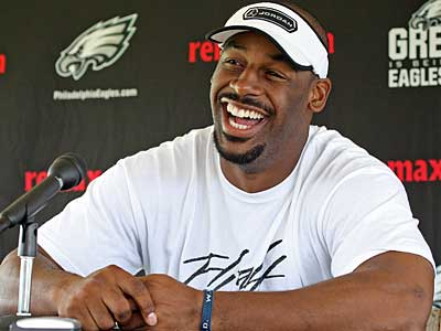 Eagles quarterback Donovan McNabb has a laugh during his press conference today at Lehigh. (Steven M. Falk / Staff Photographer)