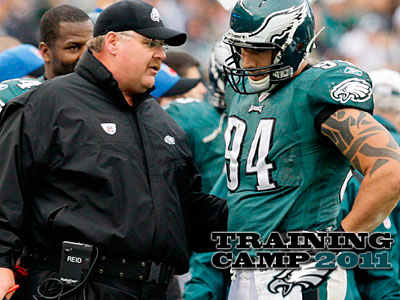 Defensive end Jason Babin will return to the Eagles after spending 2010 with the Titans. (Gene J. Puskar/AP Photo)