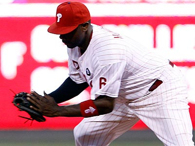 Ryan Howard committed an error in the field during Wednesday´s game against the Giants. (Yong Kim/Staff Photographer)