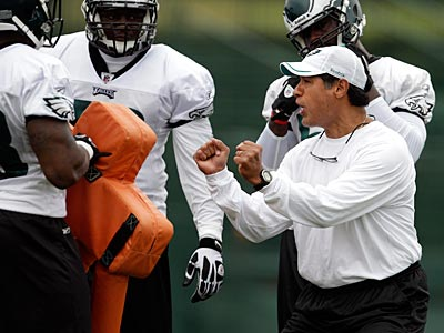 Juan Castillo is entering his first season as the Eagles defensive coordinator. (David Maialetti/Staff Photographer)