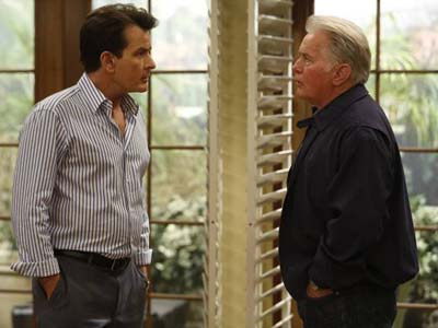ANGER MANAGEMENT: Charlie´s Dad, played by Martin Sheen, visits in Episode 9 . Photo: Greg Gayne/FX Network