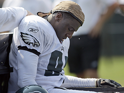 Chris Clemons was taken off the field during the Eagles´ morning practice and was driven to a nearby hospital. (Matt Rourke/AP)