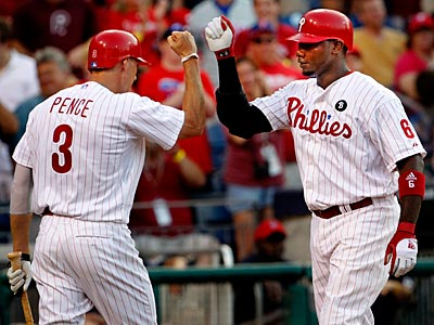 Hunter Pence congratulates Ryan Howard after a home run. (Ron Cortes/Staff Photographer)