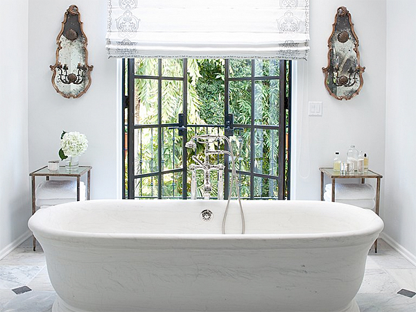 Whether it´s the master bath, a shared bathroom down the hall, or a powder room, there are easy ways to transform your space without committing to a major renovation. (iStock)