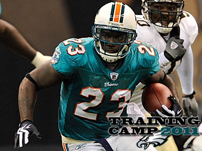 The Eagles have signed running back Ronnie Brown to a one-year deal. (Bill Feig/AP)