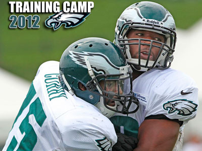 Greg Lloyd (right) spent much of last season on the Eagles practice squad. (Michael Bryant/Staff Photographer)