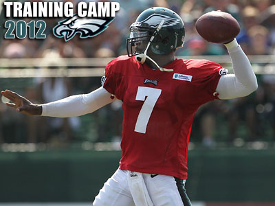 The Eagles signed Michael Vick three years ago Monday. (Michael Bryant/Staff Photographer)