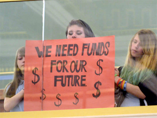 Students press City Council to provide the school district with additional funding to avoid more than 1,000 layoffs.
