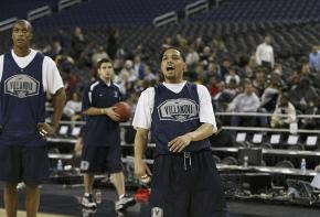 Nova´s Scottie Reynolds watches one of his shots at practice in Detroit.