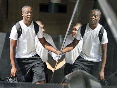 Eagles receiver Jeremy Maclin arrives at the Philadelphia International Airport on August 4, 2009. (Elizabeth Robertson / Staff Photographer)