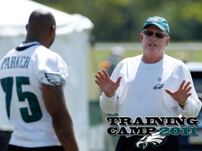 Juqua Parker is learning under the tutelage of Eagles defensive line coach Jim Washburn. (Yong Kim/Staff Photographer)