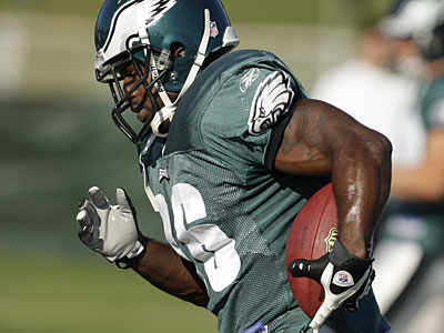 Brian Westbrook said he and his teammates will try to help Shawn Andrews with his transition when he returns to practice. (David Maialetti / Daily News)