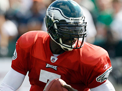 The Eagles and Michael Vick have agreed on a six-year deal worth a reported $100M. (Yong Kim/Staff Photographer)