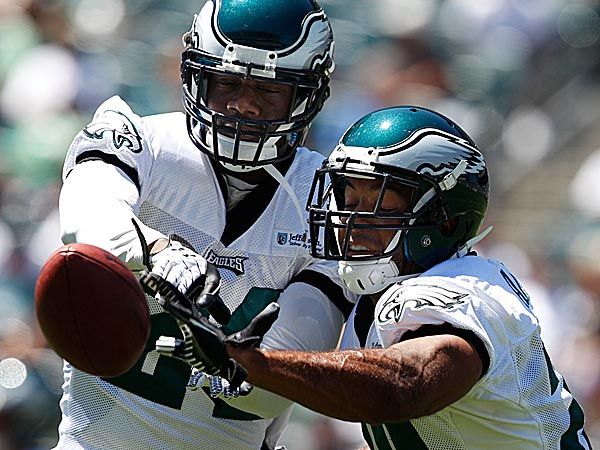 The Eagles´ Bradley Fletcher and Nate Allen. (David Maialetti/Staff Photographer)