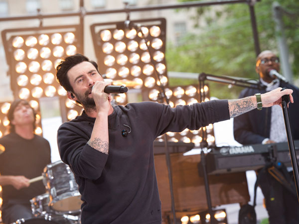 "Maroon 5 lead singer Adam Levine performs on NBC´s ""Today"" show on Friday, June14, 2013 in New York. (Photo by Charles Sykes/Invision/AP)"