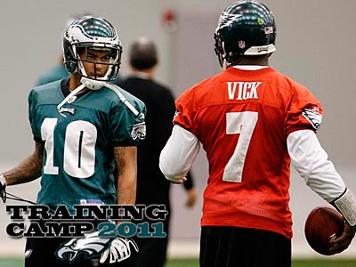 Michael Vick is excited to welcome back his leading receiver from 2010. (David Maialetti/Staff file photo)