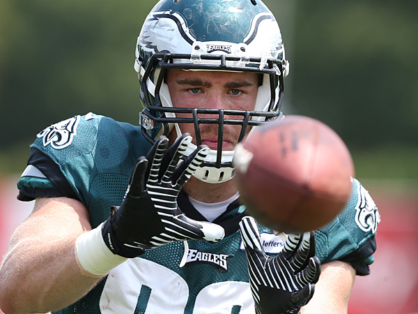 Eagles tight end Zach Ertz. (David Maialetti/Staff Photographer)