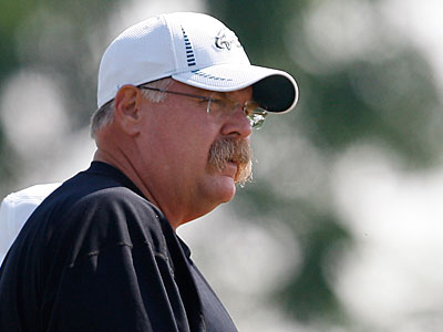 Andy Reid will be on the sideline for the Eagles´ preseason opener against the Steelers Thursday. (David Maialetti/Staff Photographer)